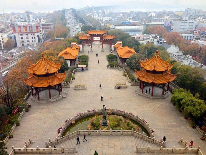 Чем знаменит китайский город Ухань кроме нового коронавируса